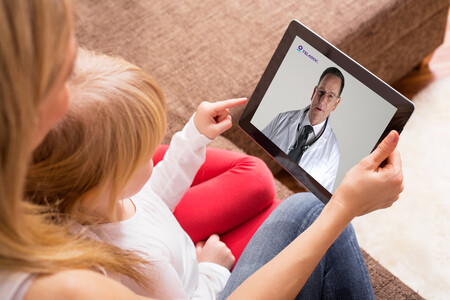 Teladoc Member And Child On Video Visit
