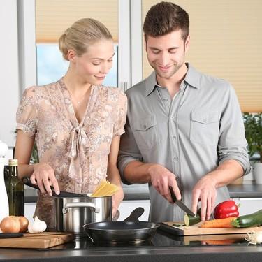 Sorpresa: solo la mitad de los hombres españoles sabe cocinar (frente al 85 % de mujeres)