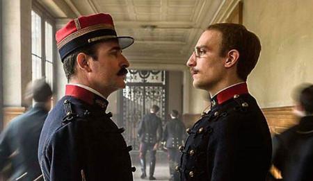 El Oficial Y El Espia