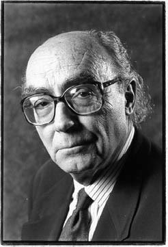 Saramago carga contra Dios en su nueva novela
