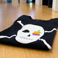 Apple pone a la venta nuevas camisetas que conmemoran la época más pirata de la compañía