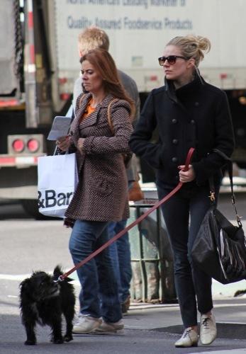 Foto de Sal a pasear al perro con estilo, copia a Sienna Miller (1/22)