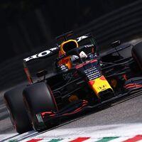 Valtteri Bottas gana la carrera pero Max Verstappen saldrá desde la pole por otra pifia de Lewis Hamilton