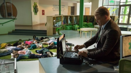 Dolph Lundgren Protagonista Poli De Guarderia Dos