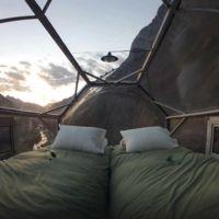 ¿Te atreves a dormir en un hotel colgado sobre el vacío a 400 metros de altura?