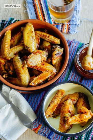 Alitas en adobo de chile chipotle. Receta mexicana