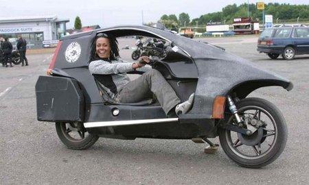 Con los pies por delante, una alternativa a las motos convencionales
