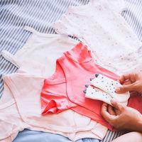 Trucos de madre que te ayudarán a ahorrar al comprar ropa para el bebé