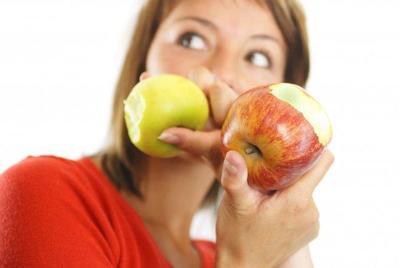 Dieta sana, también antes del embarazo, para evitar defectos congénitos en el bebé
