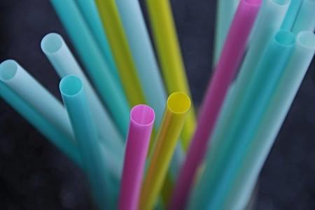 En Sonora, México, también se prohibirá el uso de popotes de plástico: multas de hasta 1.6 millones de pesos