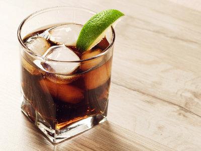 Reino Unido contra la obesidad: más impuestos para las bebidas azucaradas