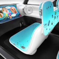 Nissan imagina el coche de los nativos digitales con un prototipo lleno de pantallas