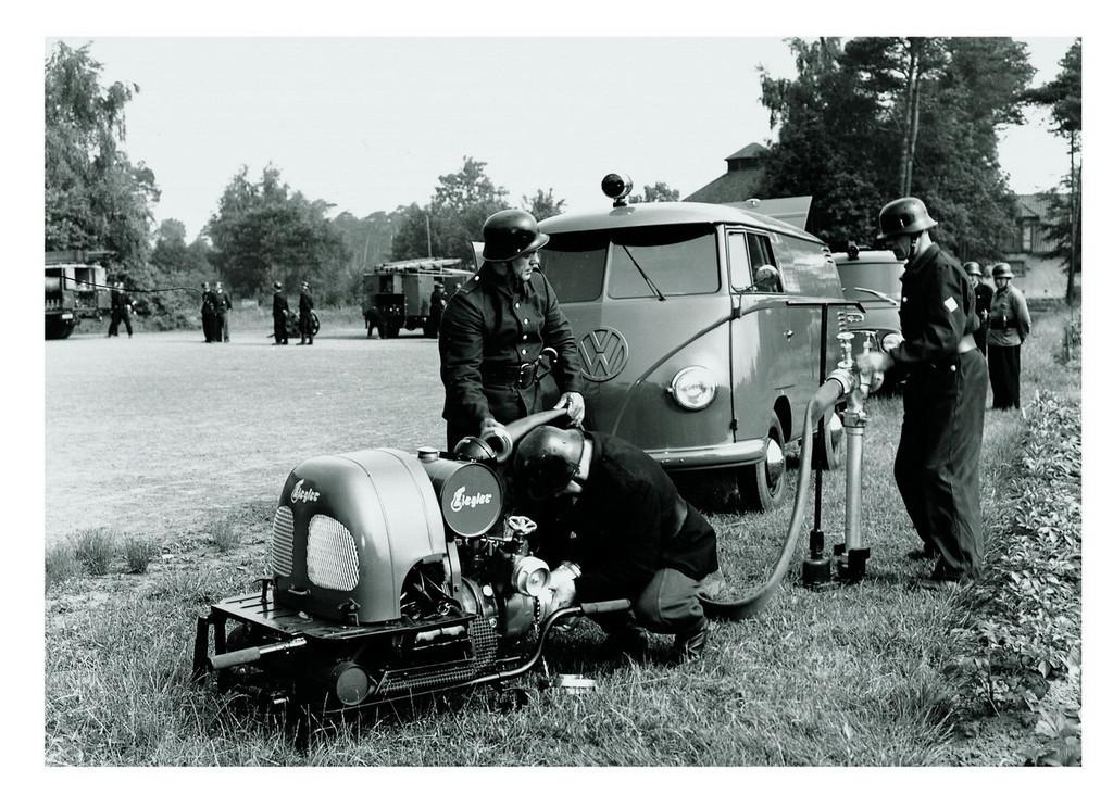 Foto de 60 años del Volkswagen Bully (31/34)
