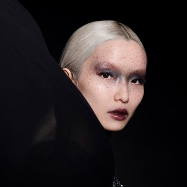 Si todavía estáis pensando un maquillaje para Halloween, tomad nota de las cuatro propuestas de Givenchy