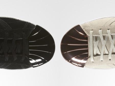 Los 'superstar' de Adidas Originals se actualizan con un destellante toque de metal