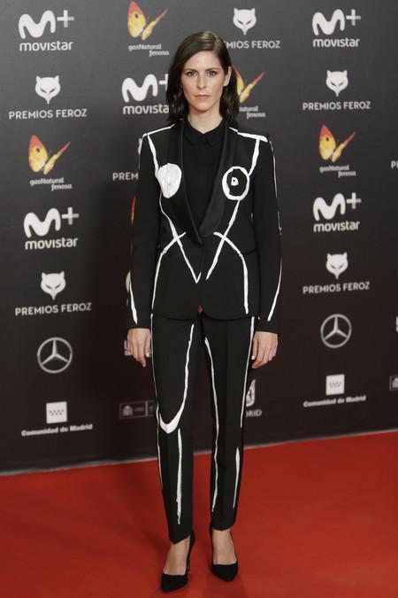 premios feroz alfombra roja look estilismo outfit Barbara Santa Cruz