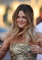 El look de Drew Barrymore en la premiere de Amor a distancia