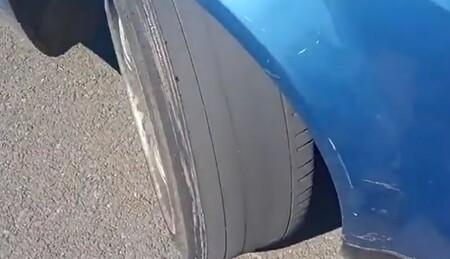 """Pillan a un conductor haciendo eses y con neumáticos lisos, da positivo en todas las drogas y alega que iba """"mirando los árboles"""""""