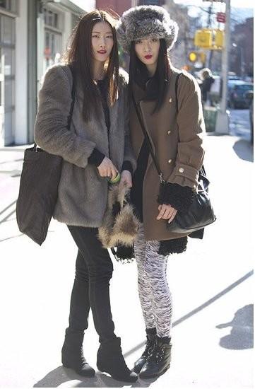 Street Style en la semana de la moda de Nueva York: las asistentes frente a las modelos