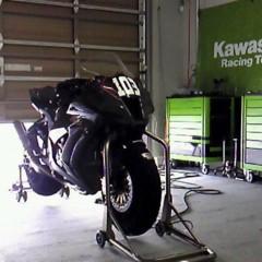 Foto 2 de 8 de la galería primeras-fotos-de-la-kawasaki-ninja-zx-10r-preparate en Motorpasion Moto