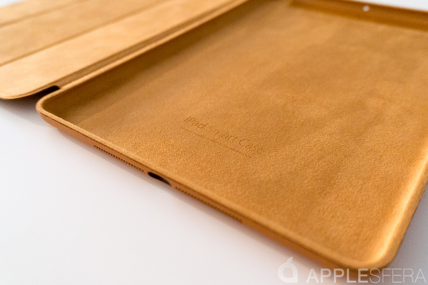 Foto de Así es la Smart Cover del iPad Air (2/16)