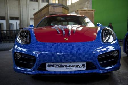 El Porsche Cayman se viste de Spiderman