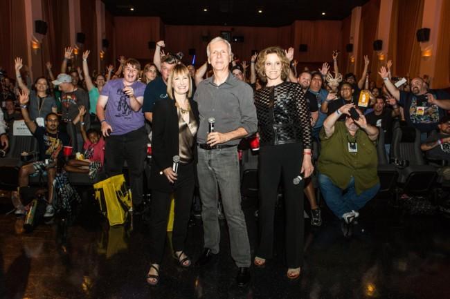 Gale Anne Hurd, James Cameron y Sigourney Weaver en la Comic-Con