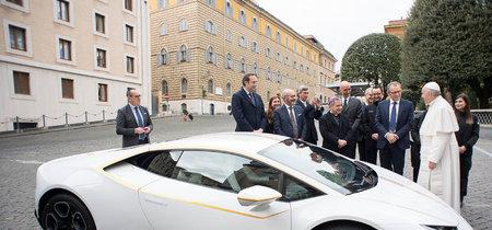 El Papa Francisco ya tiene su Lamborghini Huracán LP 580-2 de tracción trasera, aunque no derrapará mucho con él