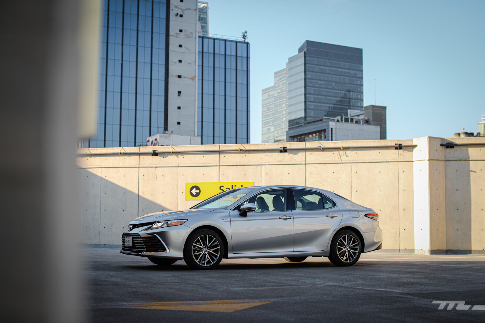 Foto de Toyota Camry Hybrid 2021 (10/38)