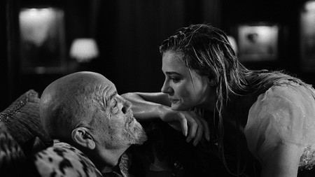 John Malkovich y Chloe Grace Moretz en I Love You Daddy