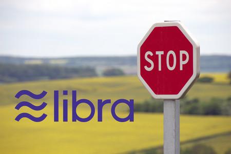 """Legisladores estadounidenses piden a Facebook que """"cese inmediatamente"""" el lanzamiento de la criptomoneda Libra"""
