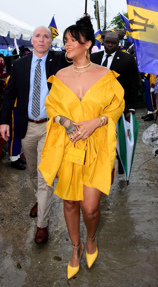 rihanna drive look estilismo outfit