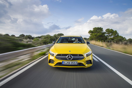 Mercedes-AMG A35 4matic dinámica frontal