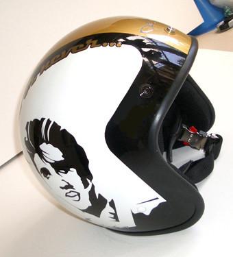Asaign Racing: tu casco de moto lujosamente personalizado.