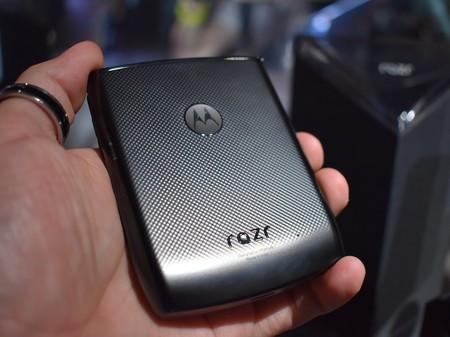 Motorola Razr Primeras Impresiones Diseno Trasero