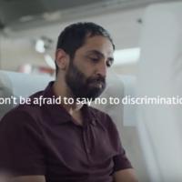 Este vídeo te hará reflexionar sobre la discriminación en los vuelos