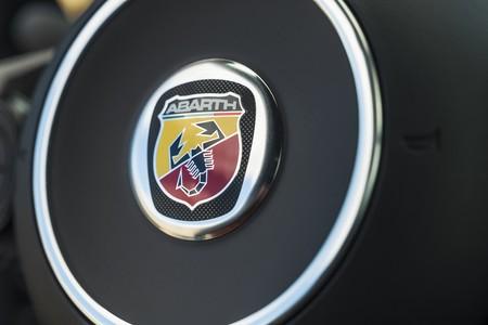 Abarth 695 Yamaha Xsr900 020
