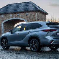 El nuevo Toyota Highlander desembarca en España: un SUV híbrido con espacio para siete ocupantes, desde 59.000 euros