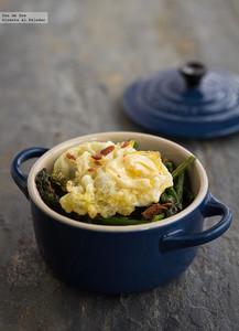 Cazuelitas de trigueros y huevo de codorniz. Receta