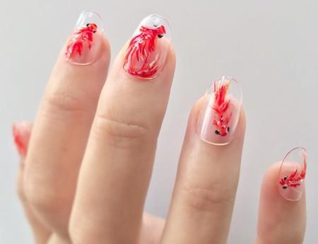 Las manicuras Fish Nails vienen directas de Japón para llenar nuestras uñas de delicadas carpas