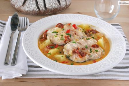 Congrio guisado con patatas y tomate seco: receta marinera para mojar pan