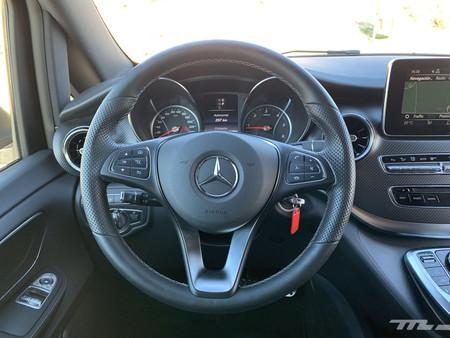 Mercedes Clase V 300d volante