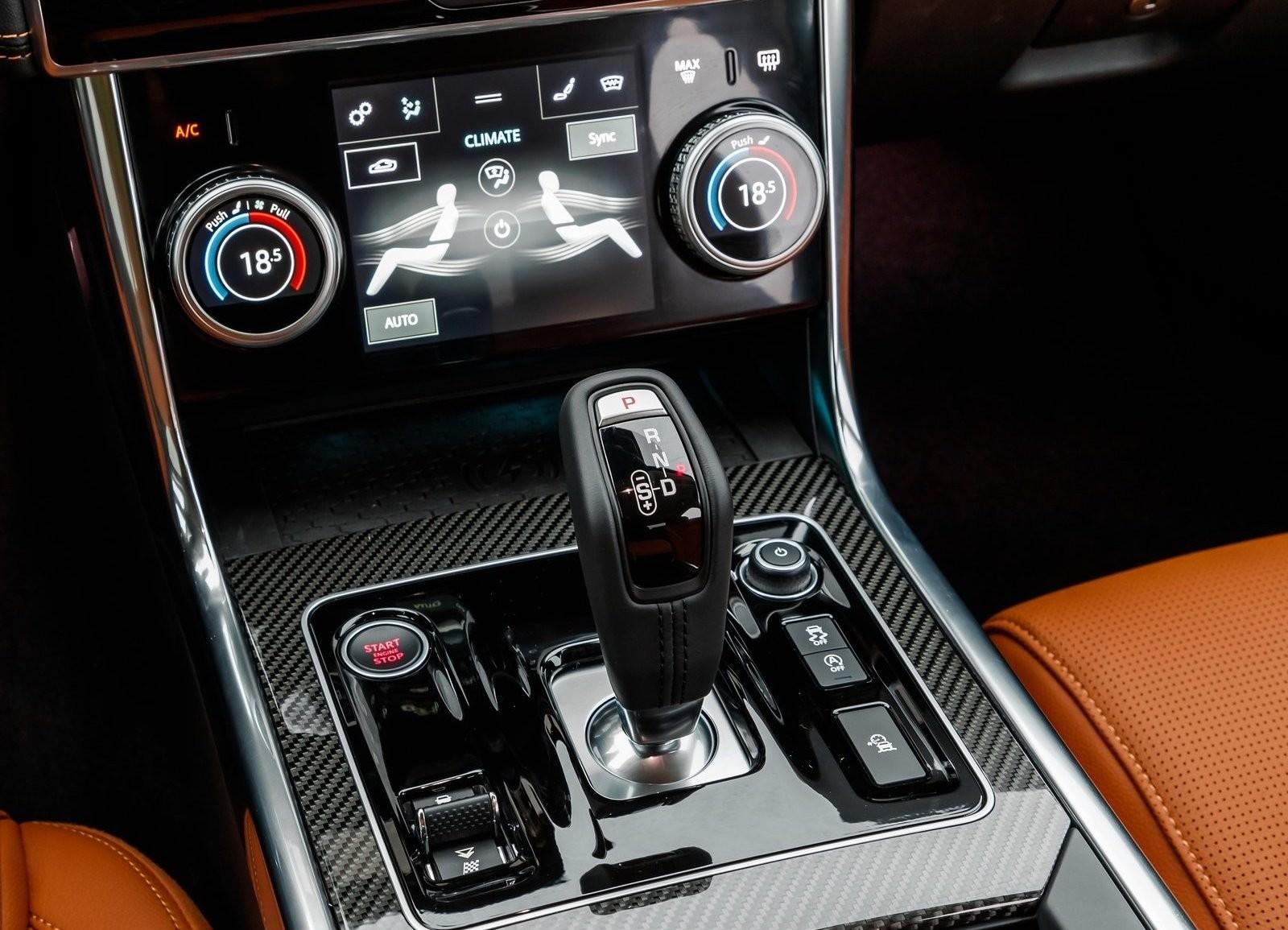 Foto de Jaguar XE 2020 (15/16)
