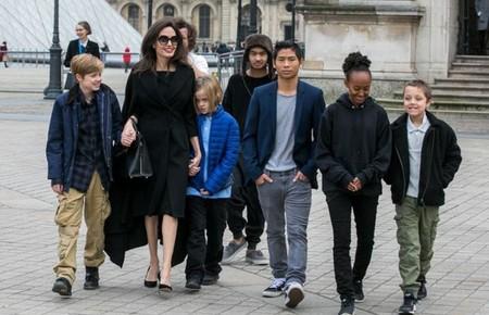 Angelina Y Sus Hijos
