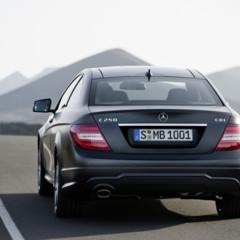 Foto 11 de 41 de la galería mercedes-benz-clase-c-coupe-2011 en Motorpasión