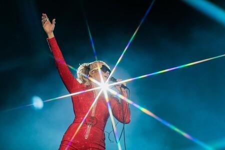 El street style más bestia y festivalero del Lollapalooza para dummies: bien de bikinis, coletas bubble, glitter y Miley Cyrus