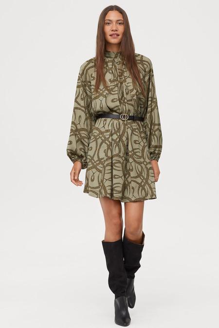 calidad Códigos promocionales nueva selección H&M tiene los vestidos ideales para lucir durante el entretiempo