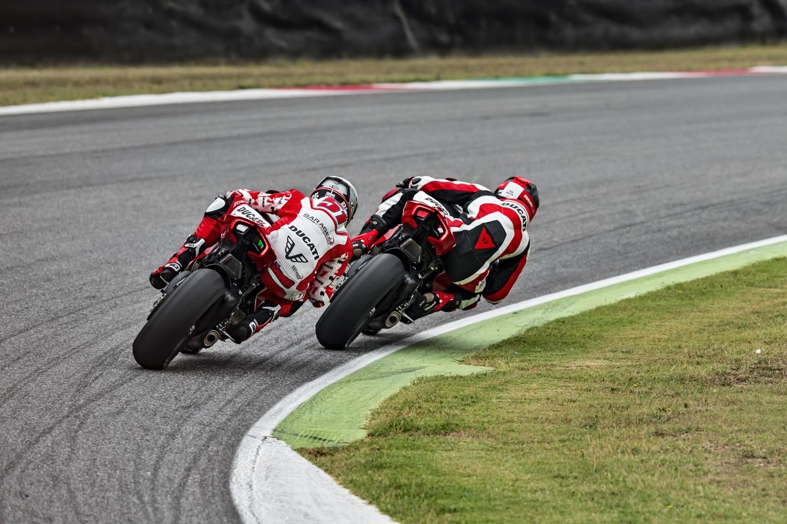 Foto de Ducati Panigale V4 R 2019 (17/87)