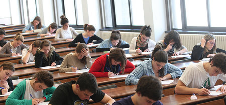 Mejores notas, mayoría en la universidad: el sexo fuerte en los estudios es la mujer