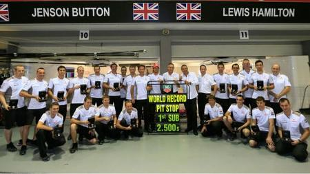 McLaren aspira a pit-stops de 2 segundos